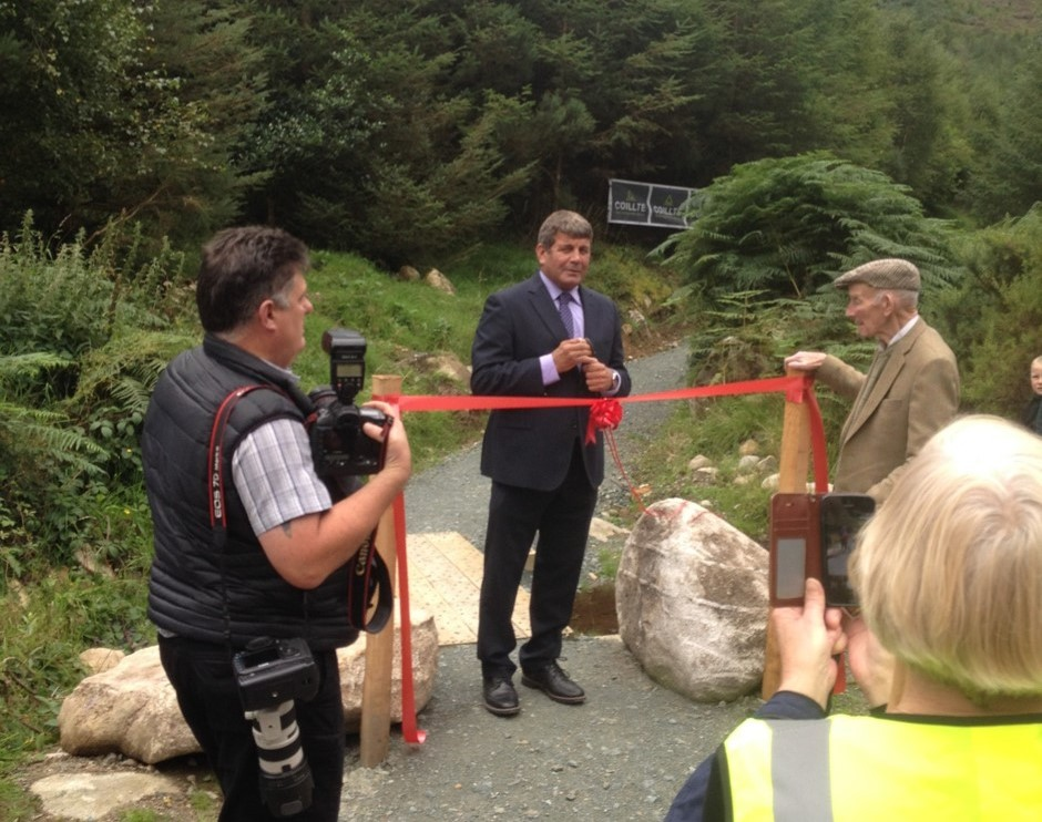 Minister Cuts Ribbon at Coillte Trail in Glenmalure